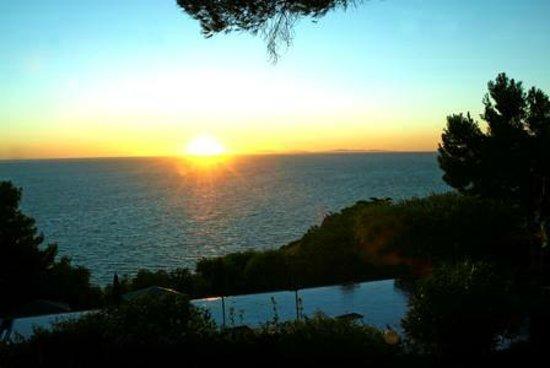 Hotel Torre di Cala Piccola: Sunset