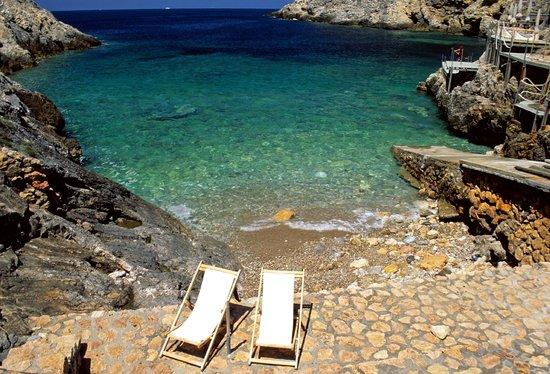 Hotel Torre di Cala Piccola: The bathing establishment