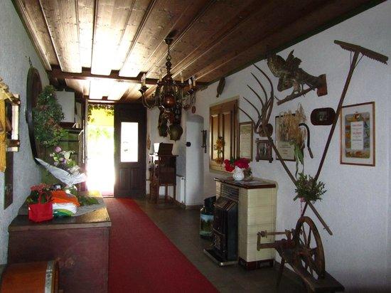 Gästehaus Lindenhof:                   Hal