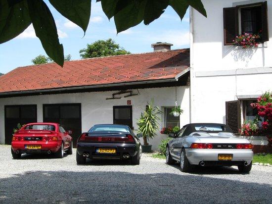 Gästehaus Lindenhof:                   Lindenhof