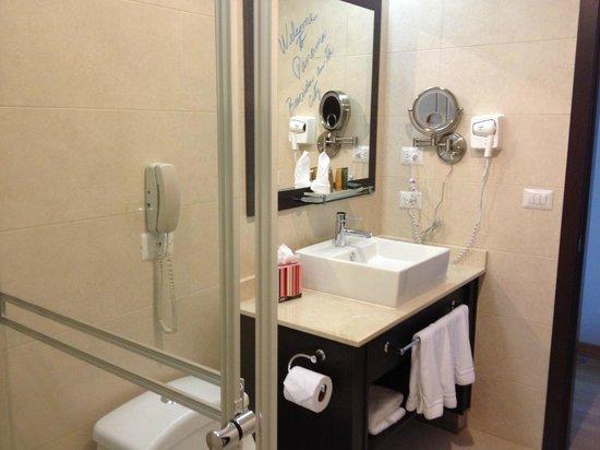 Tryp by Wyndham Panama Centro: baño