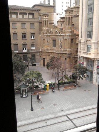 Hotel Oriente:                   VISTA DALLA FINESTRA DELLA STANZA