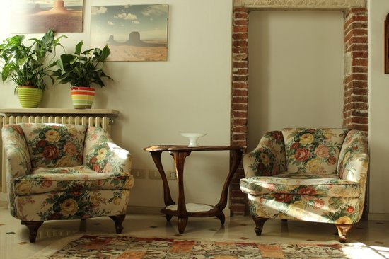 Residenza Carducci: Front suite detail