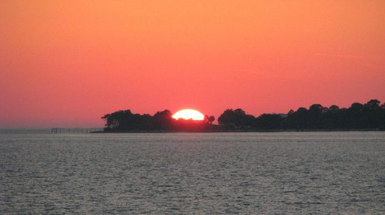 Cedar Key Harbour Master Suites:                   Gorgeous sunset taken a brief walk from the room
