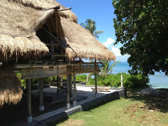 Nikoi Island:                   Villa 4