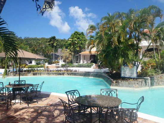 Windjammer Landing Villa Beach Resort: Main Pool