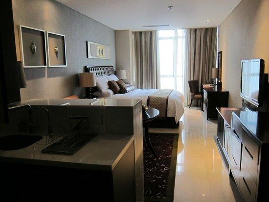 Oakwood Premier Guangzhou:                   Large studio apartment