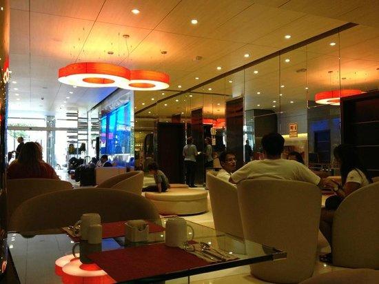 TRYP Panama Centro: salon para desayunar y cenar