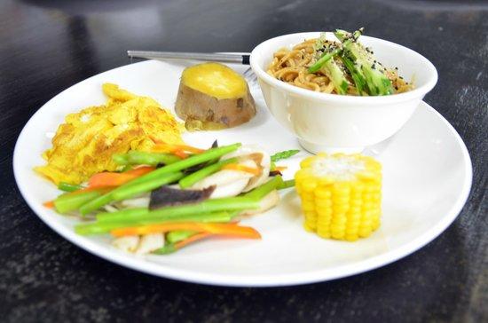 Taiwan Juhu Farmstay: organic breakfast prepared by the owner ~ healthy choice, yummy