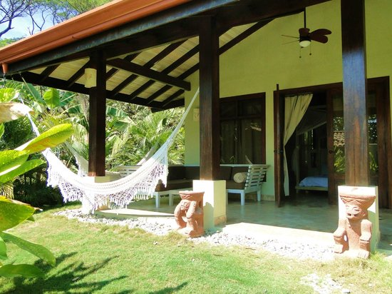 Playa Cielo: The veranda with hammock