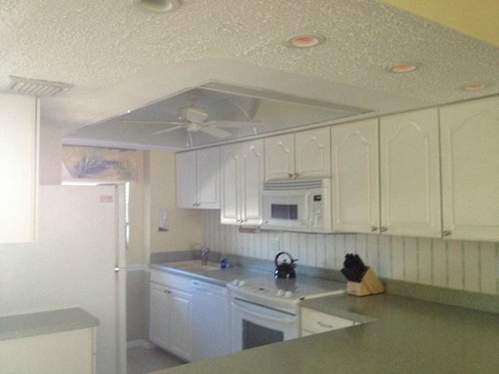 Canaveral Towers Condominiums:                   Kitchen