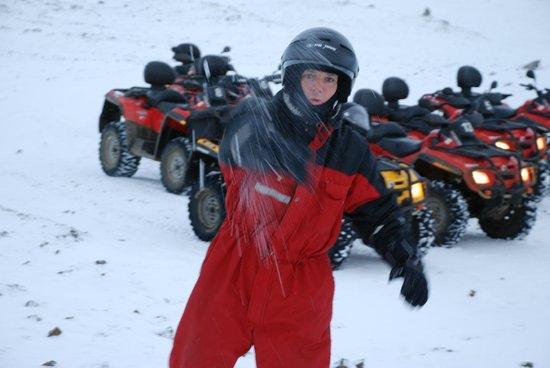Eskimos Iceland:                   Fool with a snowball