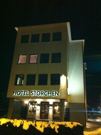 Hotel Storchen bei Nacht