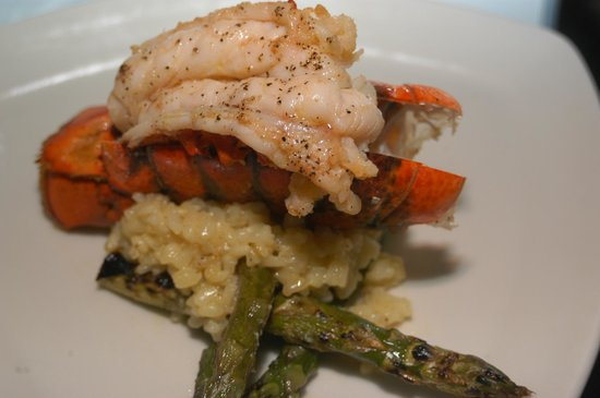 Leone's Restaurant: Lobster tail over risotto