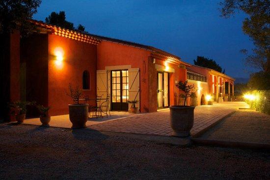 Hotellerie Kouros:                   l'hotel