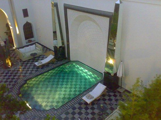 Riad Lotus Privilege:                   piscine vu de la chambre