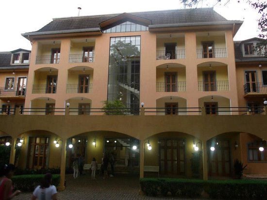 Hotel Paradies:                   Hotel