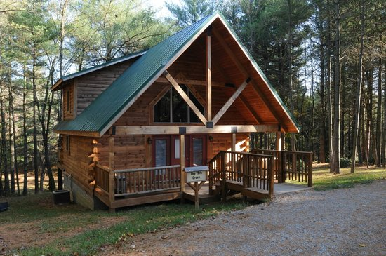 Cabins at Pine Haven: The Golf-2Bedroom