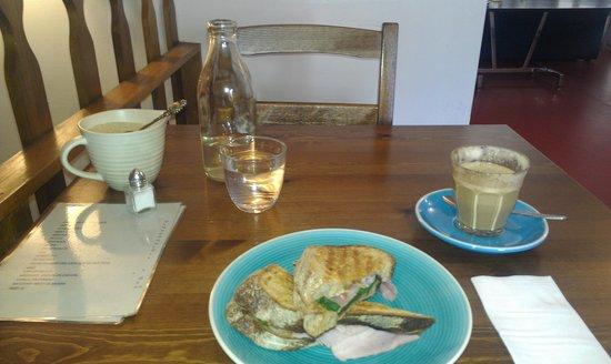 Island Cafe:                   yummy lunch