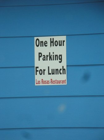 Bertram, Teksas:                   1 hour lunch parking sign ~ Parking in Front of Restaurant
