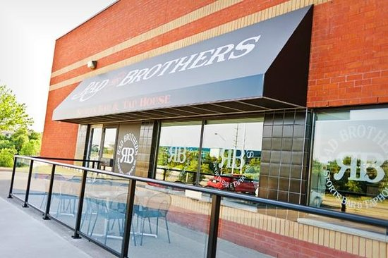The Rad Brothers Sportsbar and Taphouse: RAD Patio