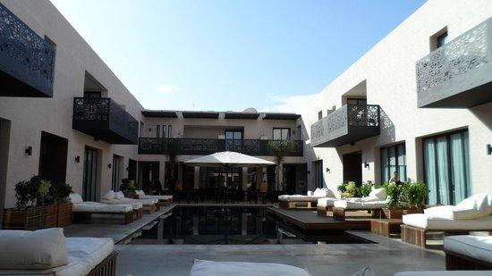Cesar Resort & Spa:                   piscine patio
