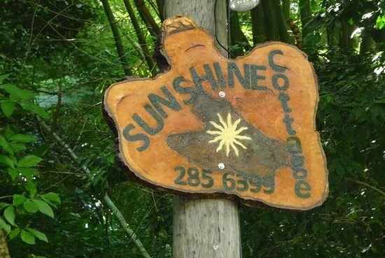 Sunshine Cottage: The sign