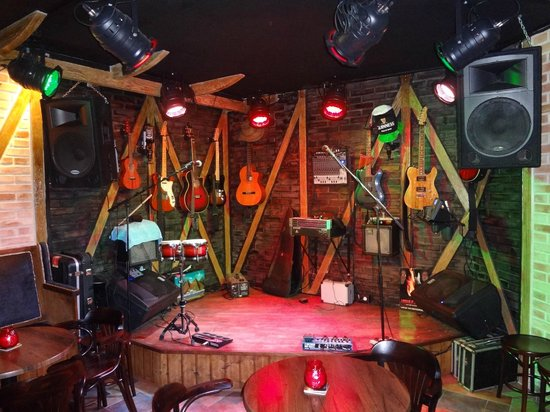 ‪The Cavern Rock Bar‬