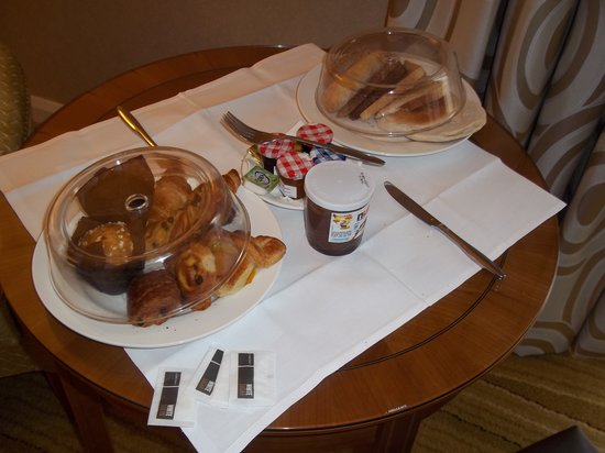London Marriott Hotel Kensington:                   Baker's breakfast (worth £12 and more)