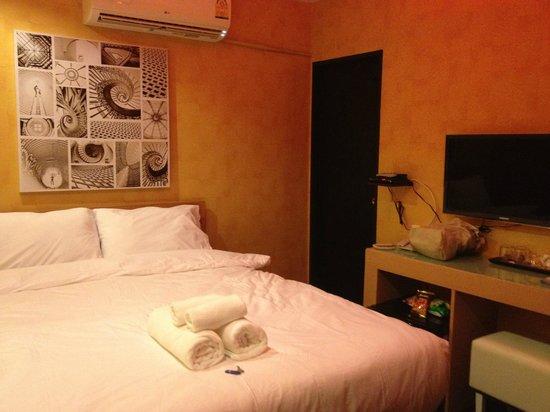 Hotel California:                                     Compact room