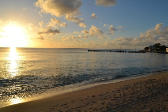 Cobblers Cove: Sunset in Speightstown