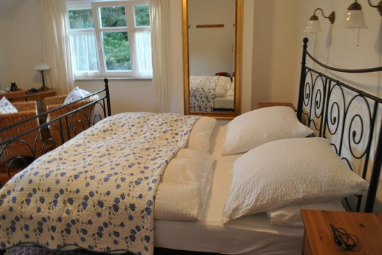 Beaufort Lodge:                   Comfortable bed