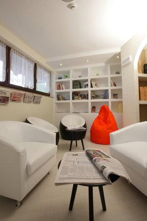 Hotel Andalo De La Ville