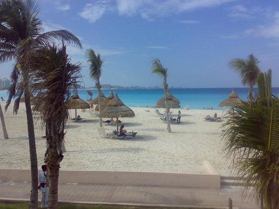 Club Med Cancun Yucatan:                   plage de l hotel