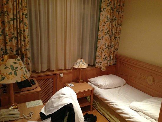 Central-Hotel  Kaiserhof:                   Einzelzimmer
