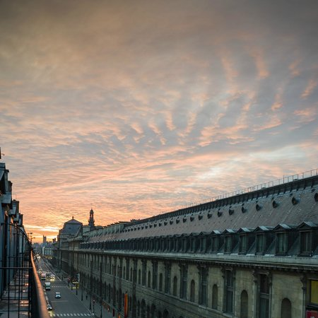 Hotel Regina Louvre: LOUVRE MUSEUM VIEW