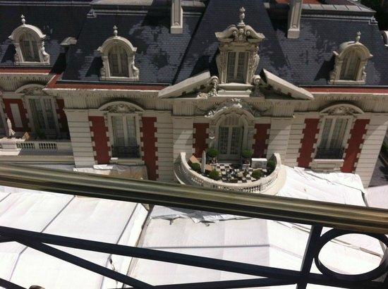 Four Seasons Hotel Buenos Aires: Poolseite zur Maison vom Hotelzimmer aus - Baustelle
