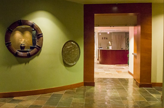 The Spa at River's Edge: Entrance to The Spa from River's Edge lobby