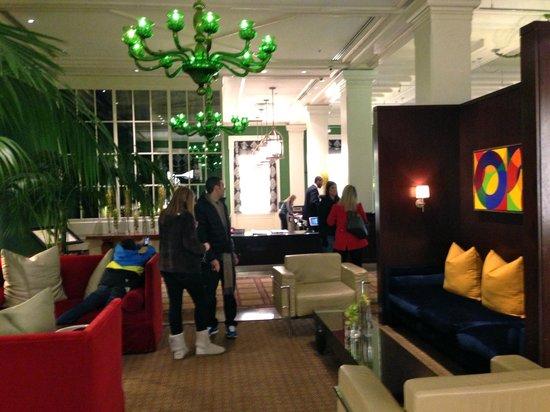 Kimpton Hotel Monaco Washington DC: hotel lobby