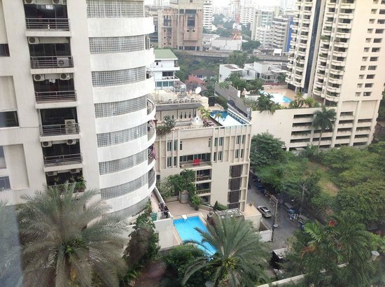 Rembrandt Towers Serviced Apartments:                   A view of Bangkok !