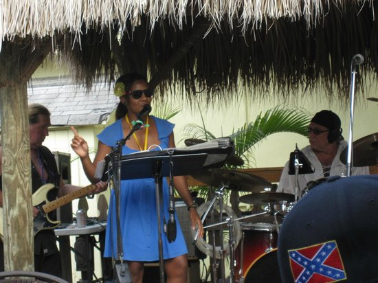 Bamboo Beach Bar & Grill:                                     Soul singer