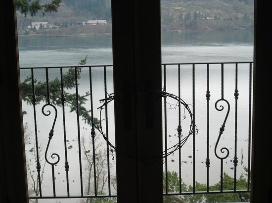 Columbia Cliff Villas Hotel:                                     View of the Columbia River Gorge