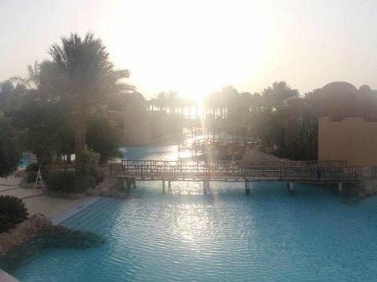 The Grand Makadi Hotel:                   basen