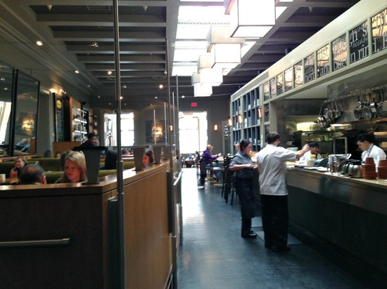 """Poste Brasserie: """"fully committed"""" breakfast on a Saturday"""