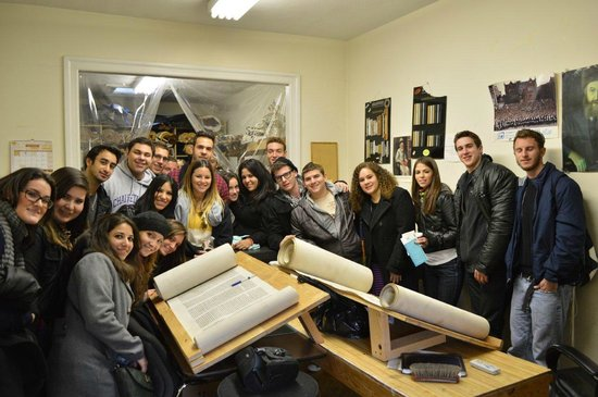 Jewish Hassidic Walking Tours: Group of College Students Tour