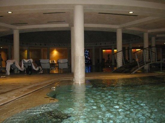 Hotel Caesius Thermae & Spa Resort :                   La piscina riscaldata