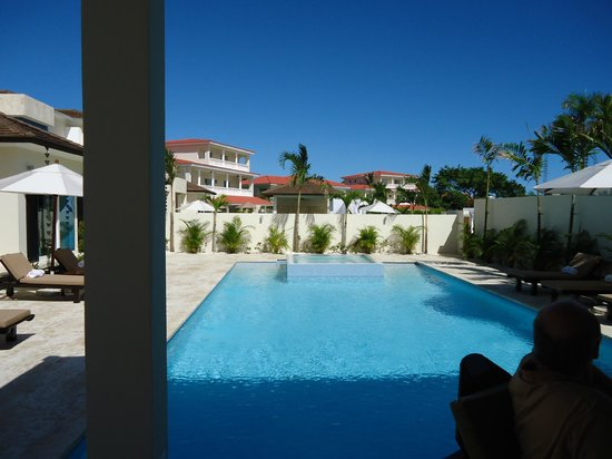 The Tropical at Lifestyle Holidays Vacation Resort : Private pool at Presidential Suites