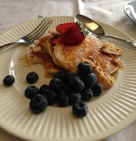 Newcastle's Bed & Breakfast: Ricotta pancakes with honeycomb butter - delicious.