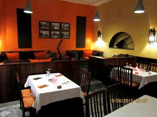 La Kora Chez Peggy:                   Le restaurant à l'intérieur
