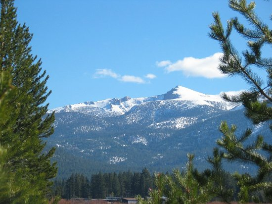 El Dorado County Chamber of Commerce:                   View of Sierra Nevada Mountains from Highway 50